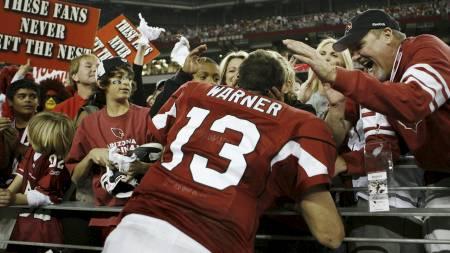 HYLLET AV FANSEN: Kurt Warner og Arizona Cardinals. (Foto: Christian Petersen/AFP)