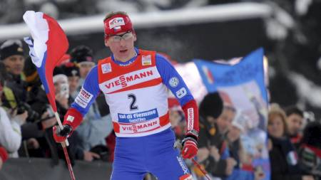 FAVORITT: Lukas Bauer er en av Petter Northugs argeste konkurrenter,   men tsjekkeren har slitt med sykdom før Tour de Ski. (Foto: Armando Trovati/AP)