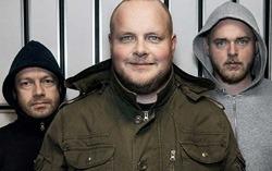 RADIO: Bjarte Tjøstheim, Steinar og Tore Sagen utgjør gutta i «Radioresepsjonen» på NRK P3.