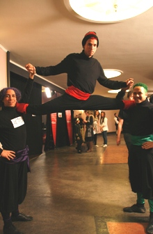 Trio de Janeiro skal imponere «Norske Talenter»-dommerne med sirkusakrobatikk. (Foto: Siv Marte Lorås)
