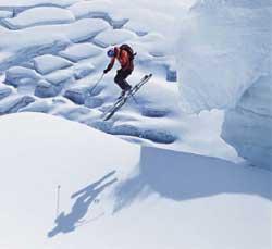 Tormod Granheim hopper ned på Vallée Blanche ved Chamonix. (Foto: Schenholm)