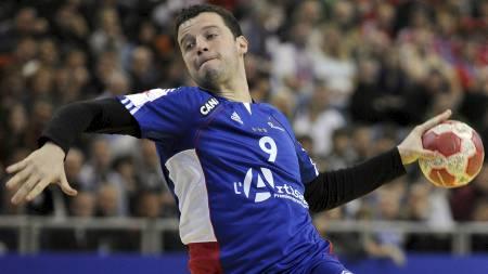 REDDET POENG: Guillaume Joly scoret på to straffekast i sluttminuttene og sikret Frankrike ett poeng mot Spania. (Foto: ANDREAS PESSENLEHNER/EPA)