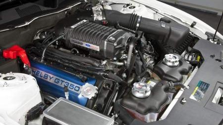 5-liters V8 med kompressor gir en effekt på hele 500 Hk.