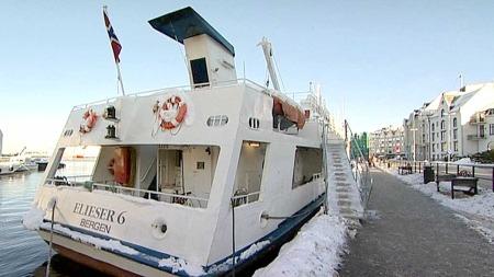 GUDS HAVN: «Elieser 6» er en av mange båter som tilbyr Guds havn under sildefisket. (Foto: Sigurd Knudsen/TV 2)