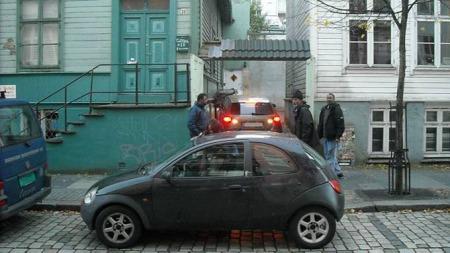 Ikke et veldig gjennomtenkt sted å parkere. (Foto: Bergen Parkering)