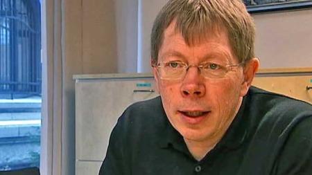 VIL FORTSETTE: Kommunelege Lars A. Nesje i Salangen og leder   i Troms legeforening mener det er dumt å endre fastlegeordningen. (Foto:   TV 2)