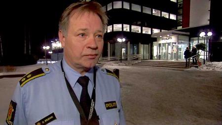 BER OM HJELP: Politiet har få spor etter at en kvinnen forsvant fra en bussholdeplass i Bærum onsdag. Nå ber folk som vet noe om saken om hjelp. (Foto: TV 2)