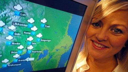 Eli Kari i studio like før opptak mandag. Både Lillehammer og Hamar er på kartet. (Foto: Ronald Toppe)