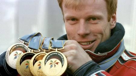 OL-KONGEN: Bjørn Dæhlie er tidenes vinterolympier. Her med sine fire medaljer fra Nagano. (Foto: Calvo, Denny/NTB scanpix)
