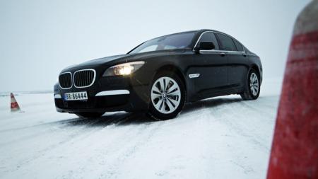 y BMW 5 106