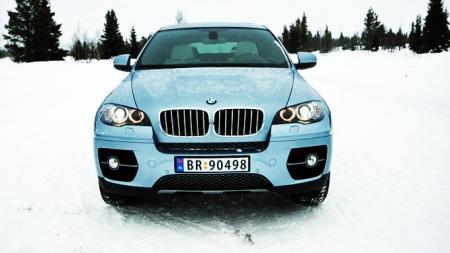 a BMW 5 082