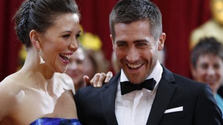 SØSKEN: Maggie og Jake Gyllenhaal storkoste seg før Oscar-utdelingen.