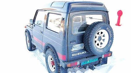 PS-Suzuki-Jeep-bakfra (Foto: Privat)