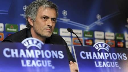 TILBAKE: Jose Mourinho er tilbake på Stamford Bridge. (Foto:   GIUSEPPE CACACE/AFP)