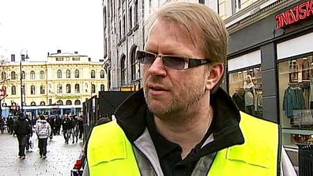 ADVARER MOT KARL JOHAN: Daglig leder Lars Norbom i Natteravnene.