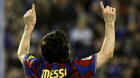 VIL VINNE GULLBALLEN: Lionel Messi. (Foto: GUSTAU NACARINO/REUTERS)