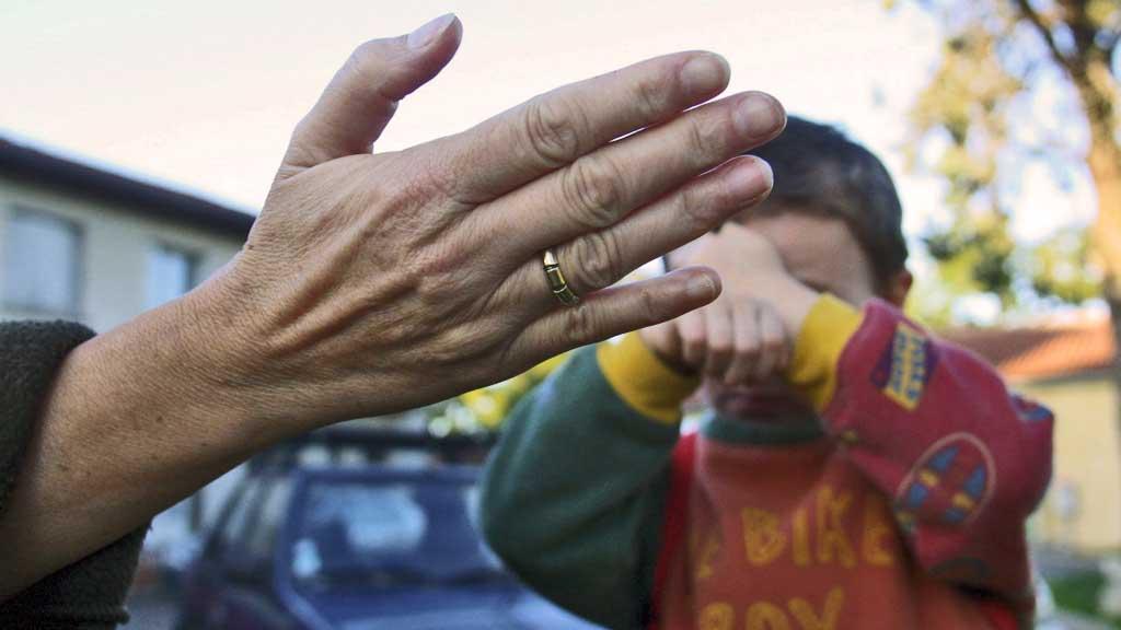 Barnemishandling slå (Foto: Colourbox (illustrasjonsfoto))