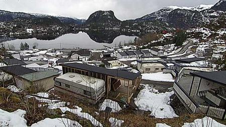 MED SPIKERTELT: Vike camping ligger idyllisk til langs en fjord på Vestlandet. (Foto: TV 2)