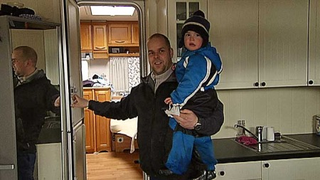 STADIG PÅ CAMPING: Gisle Mellum og familien tilbringer alle helger og ferier på Vike camping. (Foto: TV 2)