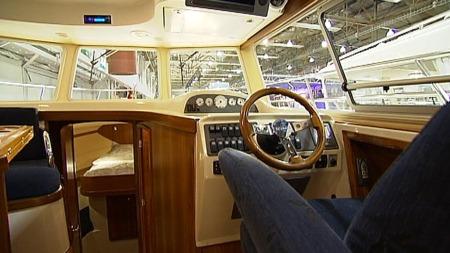 Det er ikke mye plass til fisk eller fiskeutstyr i denne båten. (Foto: Robert Reinlund/TV 2)