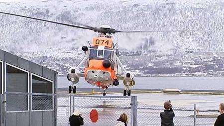 Sea King lander ved Universitetssykehuset i Tromsø HF - UNN (Foto: Anders Mildestveit/TV 2)