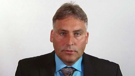 Stortingsrepresentanten Torgeir Trældal (Frp) fra Nordland synes luftambulanseberedskapen i Nord-Norge ikke holder mål. (Foto: TV 2)