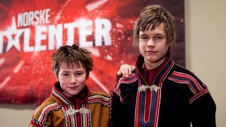 Niels Ovlla og Gard Emil (Foto: Thomas Reisæter / TV 2)