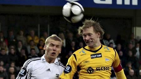 Odds Steffen Hagen og Starts Ole Martin Årst (Foto: Schrøder, Tor Erik/Scanpix)