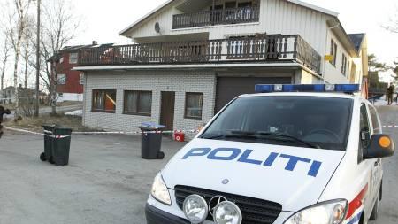 ÅSTEDET: Ved denne boligen i Mo i Rana ble politimannen Olav Kildal (58) knivstukket onsdag.  (Foto: Larsen, Håkon Mosvold/Scanpix)