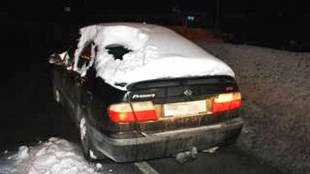 Nesten godt gjort at mannen så blålysene bak seg gjennom all snøen! Foto: Politiet.