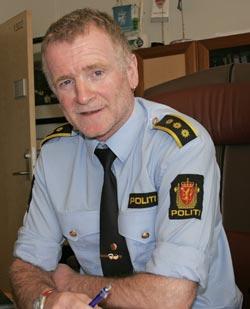 ADVARER KOLLEGER: Politistasjonssjef Stig Haugen i Mo i Rana   har innført forbud mot lagring av utstyr i kassene bak i celledelen etter   hendelsen under fangetransporten.