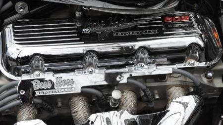 V8-motor (Foto:  Bjørn-Tore Sandbrekkene )