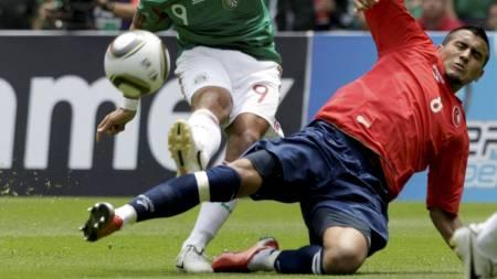 VILLDYR: Chiles Arturo Vidal. (Foto: HENRY ROMERO/Reuters)