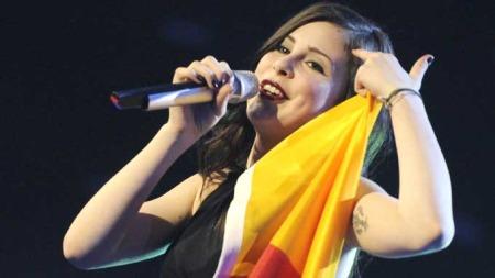 KNUSTE ALLE: Med låten «Satellite» knuste den tyske storfavoritten, Lena Meyer-Landrut, alle konkurrentene.   (Foto: SCANPIX)