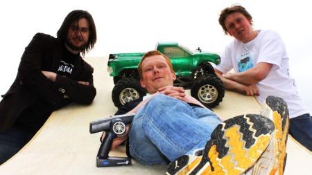 André Riise, Jon Richard Korneliussen og Rolf Terje Kaurin har stort håp om ny verdensrekord.