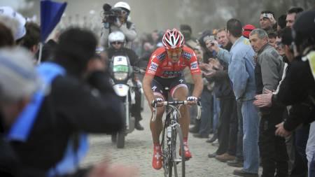 Fabian Cancellara i Paris-Roubaix (Foto: LIONEL BONAVENTURE/AFP)