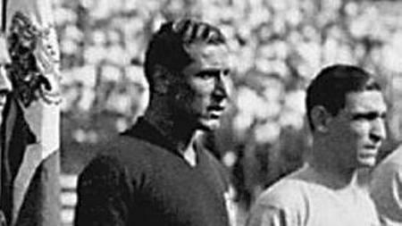 KAPTEIN I 34: Giampiero Combi (t.v.) var kaptein for Italia da de vant VM i 1934. (Foto: Scanpix/AFP)