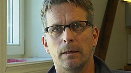 FORHOLDER SEG TIL MYNDIGHETENE: Havbrukskoordinator Paul Negård   i FHL forstår at det kommer reaksjoner på bruk av giftstoffer. (Foto:   TV 2)