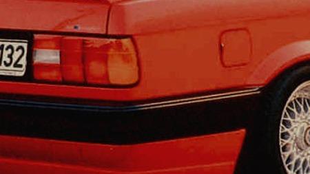 E30-serien fikk i 1989 større baklykter og nye støtfangere.