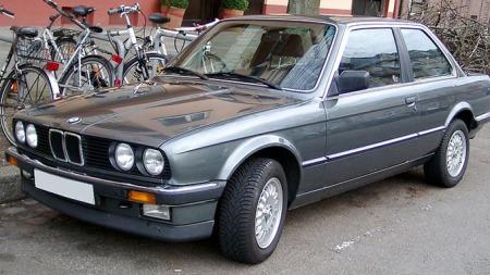 Original og nydelig firkantet. Dette er bil som er laget av stål!