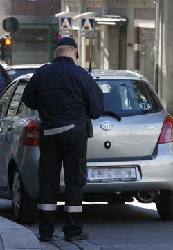 Parkeringsvakter i flere byer har vært blant de streikende.