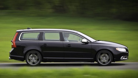 Super-Volvoen får svært diskret styling. Dette er for kjennere. Sjekk de lekre detaljene i matt krom. Foto: Heicosportiv