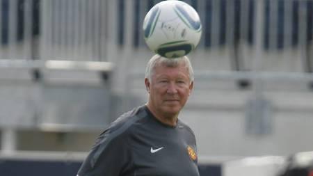 PÅ PLASS I USA: Sir Alex Ferguson og Manchester United trener for tiden i USA. (Foto: TIM SHAFFER/Reuters)