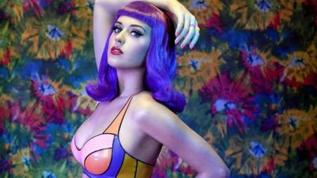 SINGEL: Katy innrømmer at hun flørter på byen, men ser ikke etter noe seriøst. (Foto: Stella Pictures)
