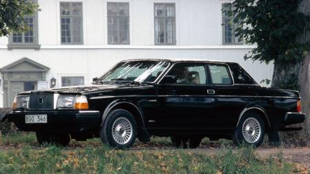 Dette er en 1981 modell, med den nye fronten og uten vinyltak