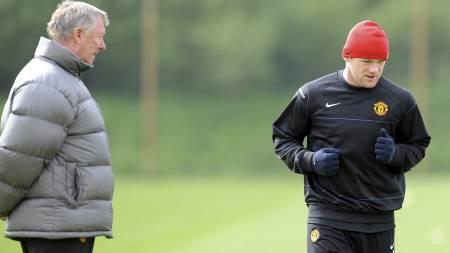 SKUFFET: Sir Alex Ferguson skal ha blitt svært skuffet etter å ha sett bildene av en røykende Wayne Rooney. (Foto: PAUL ELLIS/AFP)