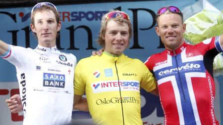 Edvald Boasson Hagen vant Oslo Grand Prix foran Andy Schleck (tv) og Thor Hushovd (th) i Oslo tirsdag kveld. (Foto: Lien, Kyrre/Scanpix)