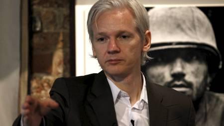 VARSLER FLERE AVSLØRINGER: Wikileaks-gründer Julian Assange. (Foto: ANDREW WINNING/Reuters)