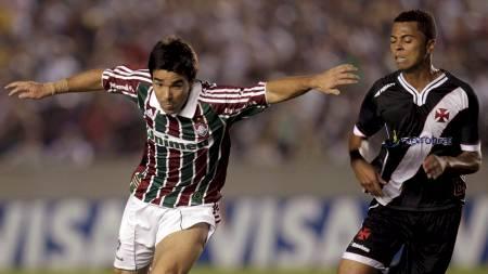 DECO-DEBUT: Deco fikk sin debut for Fluminense mot Leo Gago og Vasco da Gama. (Foto: BRUNO DOMINGOS/Reuters)