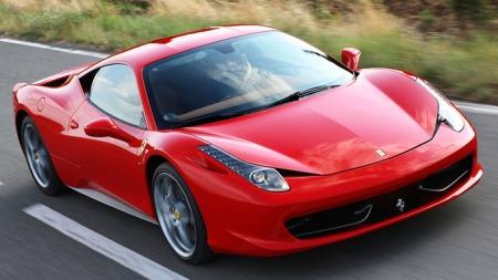 Dette er en Ferrari 458 Italia - helt uten brannskader.